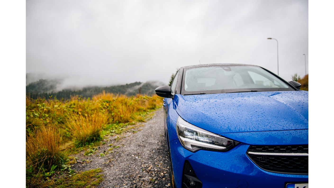 Бренд Opel відправляє за титулом «Автомобіль року в Україні 2021» відразу шість автомобілів!