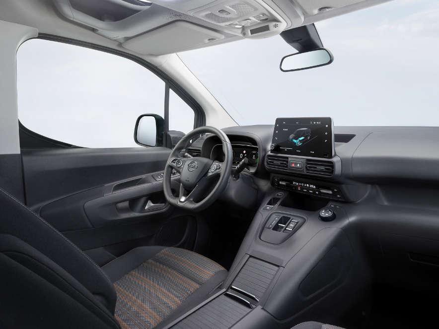 Opel Combo-e Life, інтер'єр салону