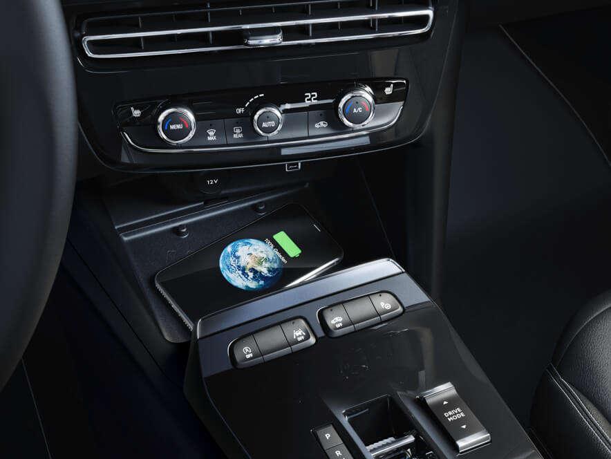 Opel, Mokka, індукційна зарядка